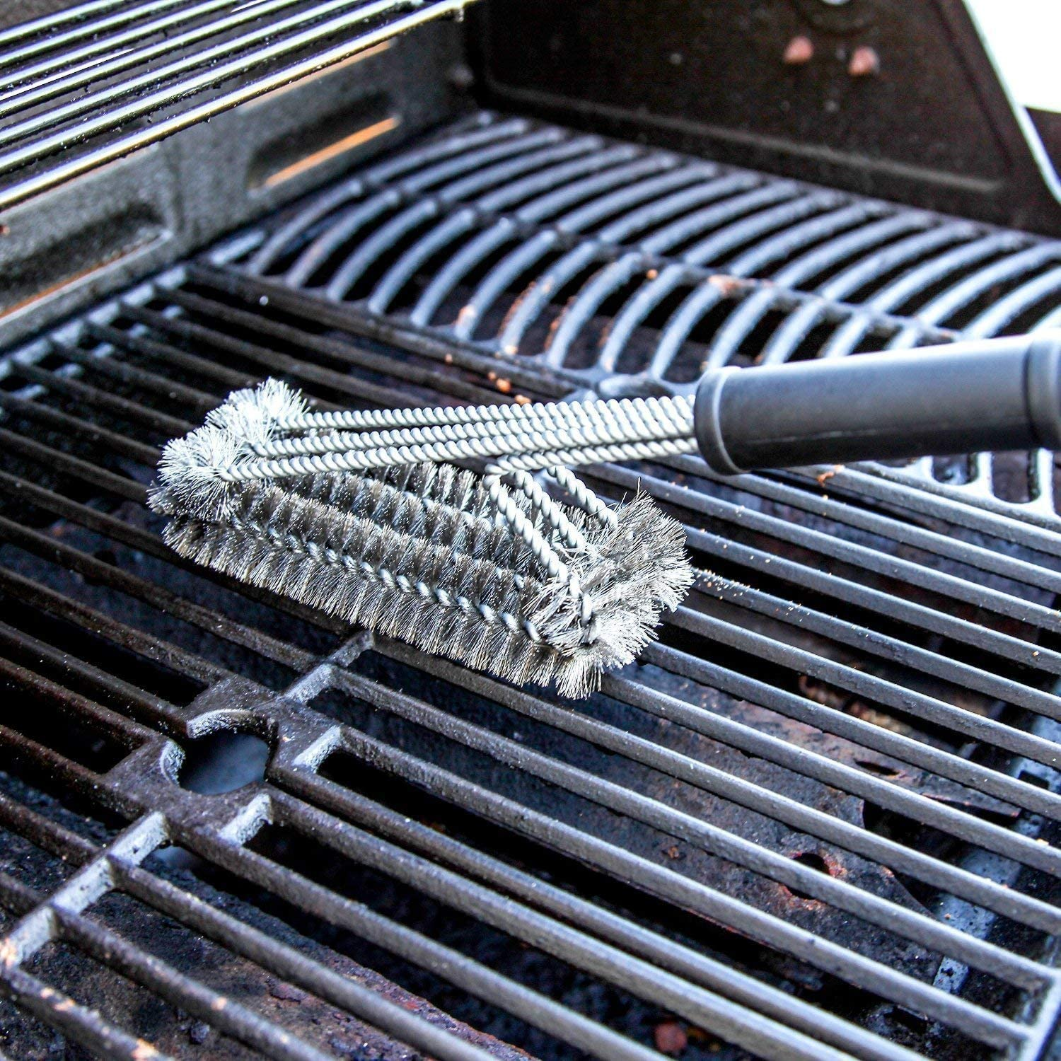 Cleaning up the grill grates